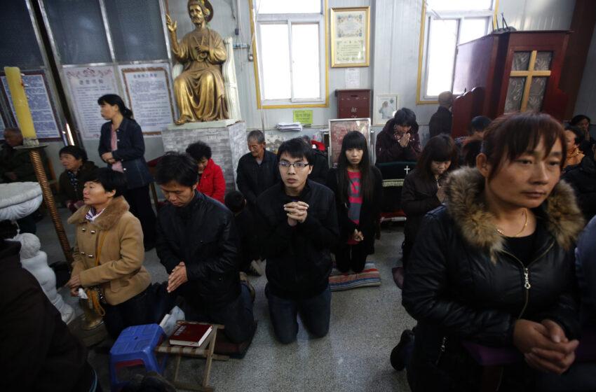 """Moartea începe să sune mai bine: """"Creștinii chinezi sunt torturați în tabere de «spălare a creierului»"""
